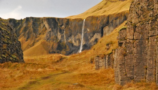 Dverghamrar - Dwarf Cliffs