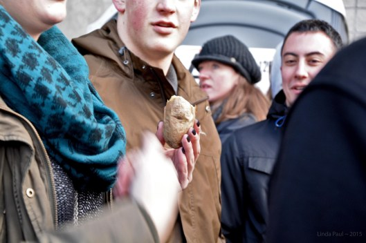 Smart folks snacked before reaching the security gate. What's more appropriate for #POTATUS than a spud?