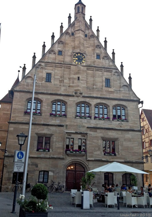 Das Rathaus (City Hall)