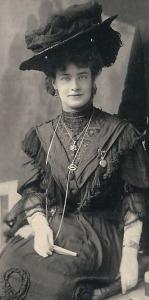 Nora Dillon 1907